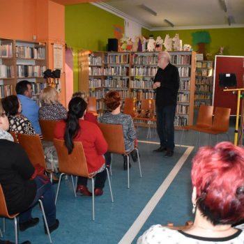 Spektakl w bibliotece